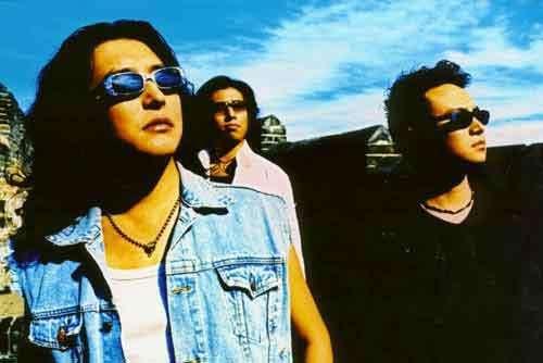 山鹰组合音乐合集1994-2004年5专辑歌曲Flac  山鹰组合 乐队 第1张