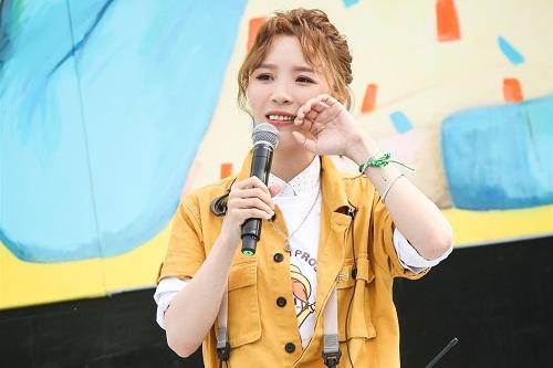 黄雅莉《2006-2017》歌曲合集打包[MP3/575.66MB]百度云下载  女歌手 第1张
